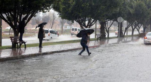 Antalya Yine Yağmura Teslim Oldu