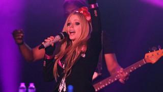 Avril Lavigne hakkında bomba iddia: O aslında öldü...