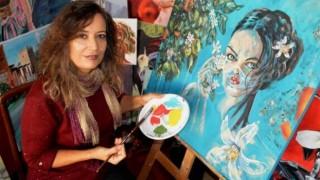 ANTALYALI ressam Gülhis Topçu Pandemi döneminde Kadın figürlü eserler üretti